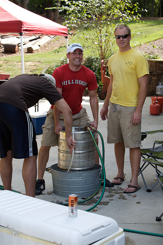 using an ice bath to cool the wort